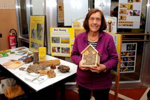 Viel Interessantes über nützliche Insekten wusste Erika Geiseler vom Lebendigen Bienenmuseum zu berichten. Foto: Ulrich Köster