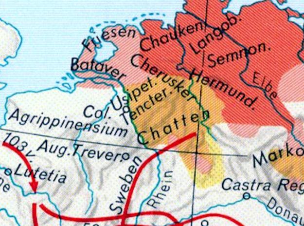 Ein alter Streit mit Augenzwinkern: Wer sind die Urväter der Deutschen, Hermann und seine Cherusker oder doch eher die Chatten? Und: Kam Hessen nach Gudensberg oder Gudensberg nach Hessen? Repro: nh