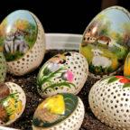 Kunstvoll bemalte und fein bearbeitete Eier. Foto: Rainer Sander