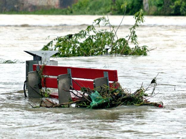 Mit dem Klimawandel häufen sich die Hochwasser-Ereignisse. Gelegentlich werden sie zu einem Fall für den Katastrophenschutz. Foto: Hans Braxmeier | Pixabay