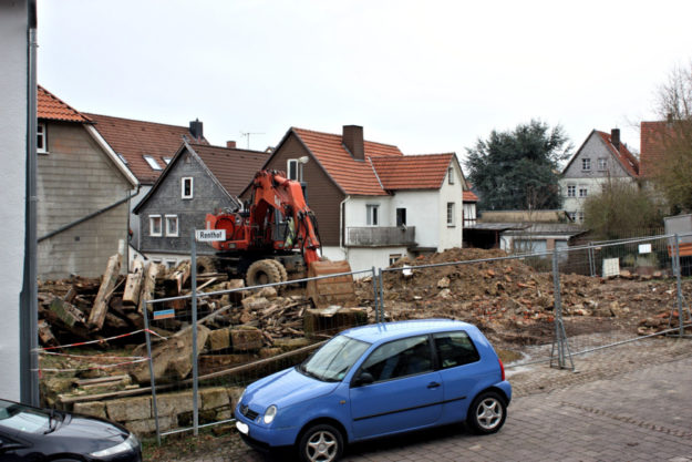 Auf dem Grundstück des abgebrannten Renthofes soll ein Wohngebäude für studentisches Wohnen entstehen. Foto: nh