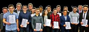 13 Metallbauer wurden von der Metall-Innung Schwalm-Eder in Schwalmstadt feierlich freigesprochen. Pfrüfungsbester war André Haasmann (4.v.li.). Foto: Kreishandwerkerschaft