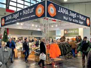 Alles für den Jäger: So präsentiert sich der Neumann-Neudamm Verlag auf der Messe Jagd und Hund in Dortmund. Foto: nh