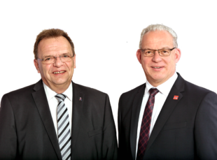 Landrat Winfried Becker und Erster Kreisbeigeordneter Jürgen Kaufmann (v.li.). Foto: Manuel Philippi   Kreisverwaltung Schwalm-Eder