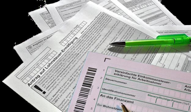 Statistisch bearbeitet der Fiskus die Steuererklärung inzwischen schneller als früher. Wegen der Corona-Krise kann es dennoch zu einem Engpass kommen. Montage: gsk