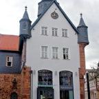 Das Rathaus der Stadtverwaltung Schwalmstadt in Treysa. Foto: nh