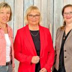Christiane Rößler, Dr. Bettina Hoffmann und Sigrid Erfurth (v.li.) laden zur ersten digitalen Konferenz des Kreisverbandes der Bündnisgrünen ein. Foto: Orendt Fotostudio | nh