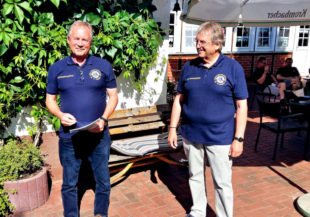 Herbert Gerke (li.) folgt als Club-Präsident auf Jürgen Thurau (re.). Foto: Lions Club