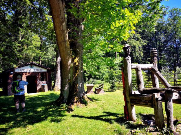Eine der Wanderstationen im Stadtwald ist die Carl-Braun-Hütte. Foto: nh