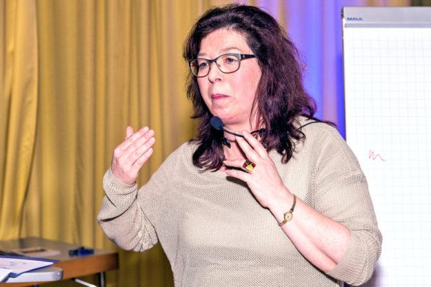 Cornelia Henkel, Kreisvorsitzende der FREIE WÄHLER Schwalm-Eder und Leiterin der Landesarbeitsgemeinschaft Bildung. Foto: Peter Back | nh
