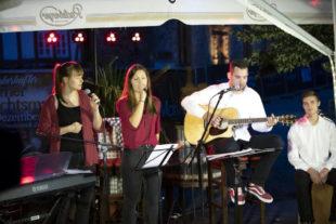 Auch Four in Hands gehören zu den beliebten Musikern der Benefizveranstaltung. Foto: nh