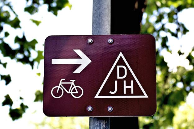 Auch künftig müssen die Wege zu den Jugendherbergen (finanziell) geebnet bleiben. Foto: Gentle07 | Pixabay