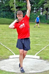 Luis Andre verbesserte den 21 Jahre alten U16-Kreisrekord auf 16,69 m. Foto: nh