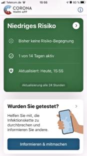 So sieht die Corona Warn-App auf dem Smartphone aus (im Bild ein iPhone). Screenshot: Schmidtkunz