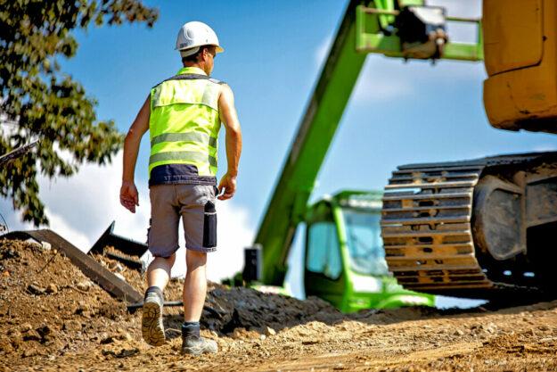 Bald allein auf der Baustelle? Baufirmen steuern auf einen verschärften Fachkräftemangel zu – wenn die Branche für Beschäftigte nicht attraktiver wird, warnt die Gewerkschaft. Foto: IG BAU