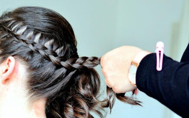 Haare schneiden allein reicht nicht mehr. Von modernen Friseurinnen erwartet die Kundschaft neben der perfekten Frisur heute gleichermaßen eine Mode- wie Stilberatung. Foto: congerdesign | Pixabay