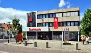 Die Sparkasse am Europaplatz 1. Foto: Gerald Schmidtkunz