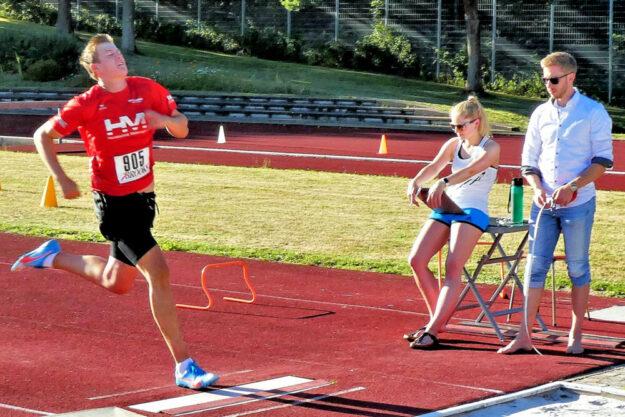 Dreikampfsieger Luis André, der bei seinem 5,11m-Sprung noch einige Zentimeter verschenkte. Foto: nh