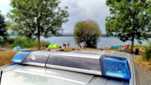 Die Polizei achtet derzeit genau darauf, das wilde Parken rund um Seen, Bäder und Freizeitgebiete zu unterbinden. Foto: Polizei