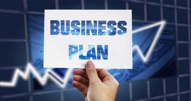 Ein selbstkritisch aufgestellter Business-Plan ist für das Unternehmen schon die halbe Miete zum Erfolg. Montage: Gerd Altmann | Pixabay