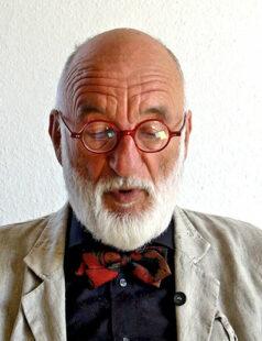Hans-Joachim Bauer bei einer Autorenlesung. Quelle: Sternbald-Verlag
