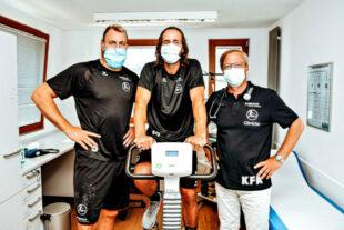 Bei der kardiologischen Untersuchung bei Dr. Karl-Friedrich Appel zeigten die MT Spieler eine ausgezeichnete Kondition. Foto: Alibek Käsler