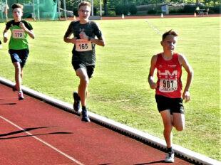 Linus Schopf verbesserte sich über 800m auf 2.28 Minuten. Foto: nh