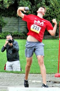 Luis André überraschte mit der 5kg-Kugel und sicherte sich mit 15,84 m die Bronzemedaille in der U18. Foto: nh
