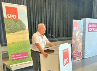 Vizelandrat Jürgen Kaufmann eröffnete die Delegierten-Konferenz des SPD-Unterbezirks im Hotel Stadtpark Bürgerhaus Borken. Foto: SPD