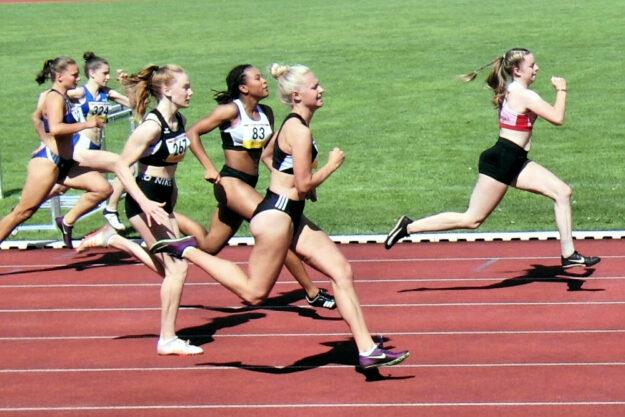 Vivian Groppe bei 80 Meter deutlich in Führung. Nach dieser Sprintdemonstration holte sie sich den 100m-Titel in 12,01 Sekunden. Foto: nh