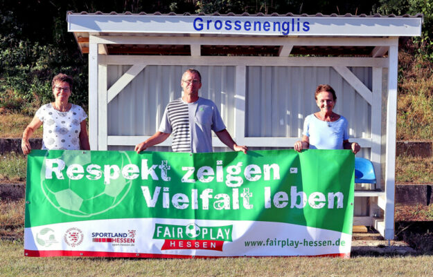 Von links: Vorstandsmitglied Ilona Döring, Jugendleiter Olaf Pfaff und 1. Vorsitzende Birgitt Faßhauer. Foto: Lanzke