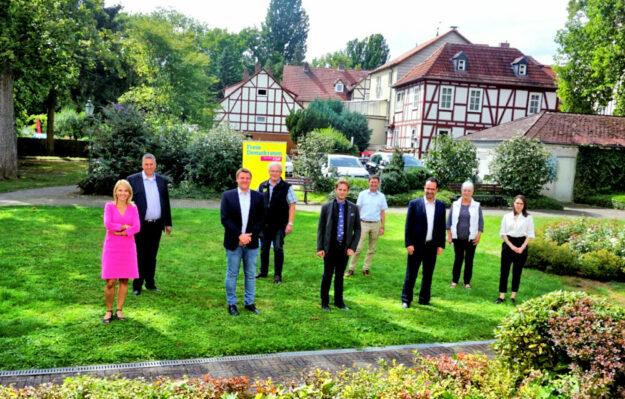Von links: Wiebke Knell MdL (Neukirchen), Nils Weigand (Melsungen), Dr. Ralf-Urs Giesen (Malsfeld), Erwin Döhne (Morschen), Söhnke Salzmann (Spangenberg), Frank Pfau (Schwalmstadt), Michael Köhler (Bad Zwesten), Marion Viereck (Melsungen) und Julia Pfau (Schwalmstadt). Foto: FDP