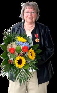 Brunhilde Schlemmel, Gensungen, hat die Verdienstmedaille des Verdienstordens der Bundesrepublik Deutschland bekommen. Foto: Staatskanzlei