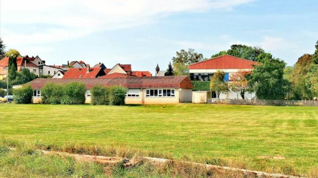 Die alte St. Martin Schule  in Treysa könnte einmal ein Jugend- und Kulturzentrum werden. Das schlägt die örtliche SPD vor. Foto: nh