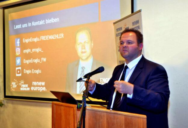 In seinem Vortrag gab der EU-Abgeordnete Eroglu interessante Einblicke in seine Arbeit. Foto: Gerald Schmidtkunz
