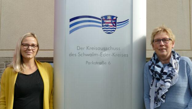 Fachberaterinnen Kindertagespflege: Franziska Andrich (li.) und Heike Schottenhammer. Foto: Schwalm-Eder-Kreis
