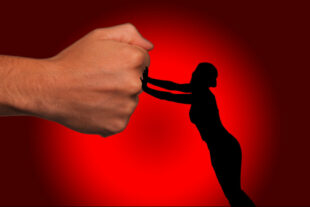 Am 25. November setzt das Frauennetzwerk Schwalm-Eder erneut ein Zeichen gegen Gewalt an Frauen. Grafik: Gerd Altmann | Pixabay