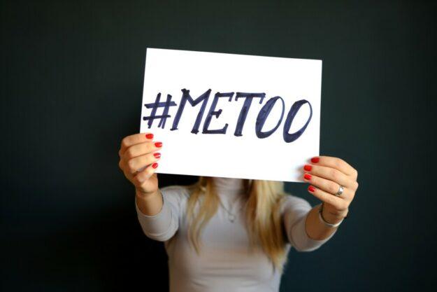 Die sexuelle Belästigung ist ein so schwerwiegendes gesellschaftliches Problem geworden, dass zahllose Opfer ihre Leiden in einer ganzen Bewegung zusammengefasst haben: MeToo – auch mich hat es getroffen. Foto: nh | Pixabay