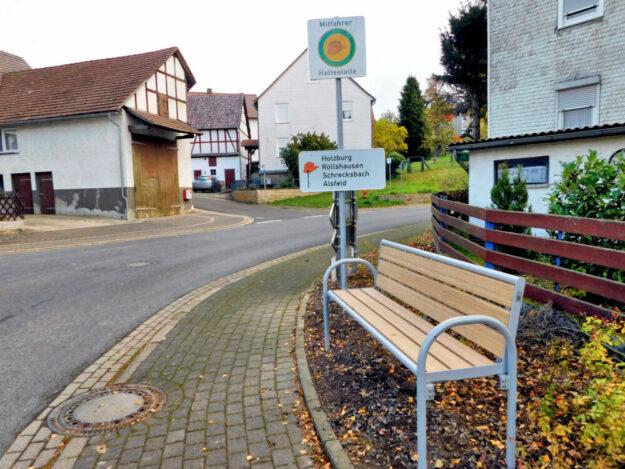 Mitfahrbank in Merzhausen. Quelle: Regionalentwicklung Schwalm-Aue