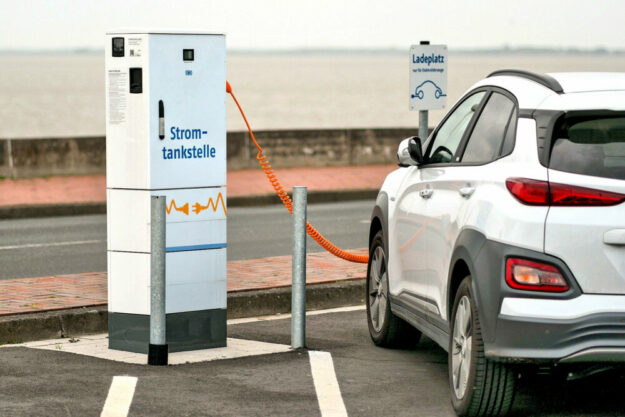 Die E-Mobilität ist ein wichtiges Standbein für CO2-neutrale Dienstreisen. Foto: A. Krebs | Pixabay