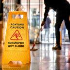 Beschäftigte in der Gebäudereinigung können sich im neuen Jahr über eine kräftige Lohnerhöhung freuen. Foto: IG BAU