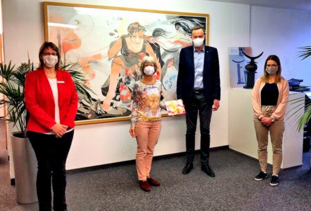 Daniela Walther, Evelyn Faust, Bürgermeister Heinrich Vesper und Lea Itzenhäuser (v.li.). Foto: Gemeinde Willingshauen