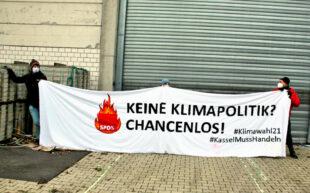 Das Bild zeigt eine Mahnwache vor dem SPD-Programmparteitag die KASSEL MUSS HANDELN am 28.11.2020 abgehalten hatte. Jetzt sollen die Mahnwachen fortgesetzt werden. Foto: nh