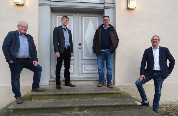 Erwin Döhne (Fraktionsvorsitzender, HaFi), Julian Höhn (stellv. Fraktionsvorsitzender), Marcus Kerst (Gemeindevorstand), Christian Broel (BPA) (v.l.). Foto: nh