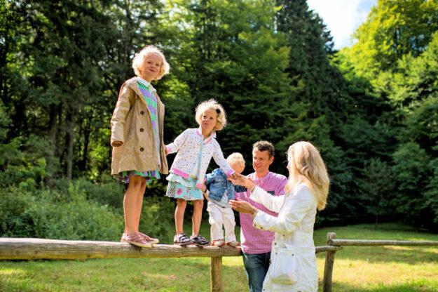 Für Familien mit Kindern hat die NordHessen-Touristik unterhaltsame Freizeitprogramme zusammengestellt. Foto: Regionalmanagement Nordhessen
