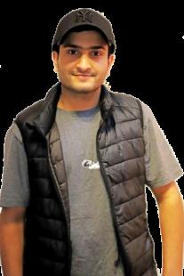 Ali B. heute. Der junge Mann hat es geschafft und sich ein neues Leben aufgebaut. Inzwischen lebt er wieder in Pakistan und will dort ein Hilfsprojekt für Waisenkinder fördern. Foto: Region-Verlag