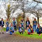 Mit Fleiß zum Erfolg: 13 Absolventen haben ihr Bachelorstudium Physiotherapie (BSc) erfolgreich bestanden. Foto: Bertram Hahn | Asklepios