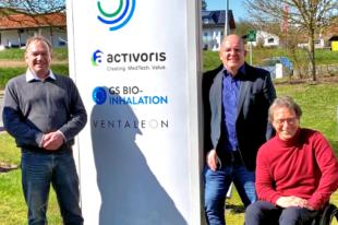 Von links: Dr. Stefan Degenhardt (Activoris Medizintechnik), Dr. Edgar Franke und Dr. Gerhard Scheuch. Foto: nh