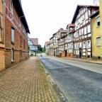 Nicht immer ist die westliche Kasseler Straße so leer, sie ist sogar die am stärksten befahrene Straße im Gudensberger Zentrum. Foto: Sweco