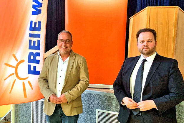 Markus Lappe – rechts im Bild: Europapolitiker Engin Eroglu – bewirbt sich für die FREIE WÄHLER als Direktkandidat im Wahlkreis 170, Schwalm-Eder. Foto: nh